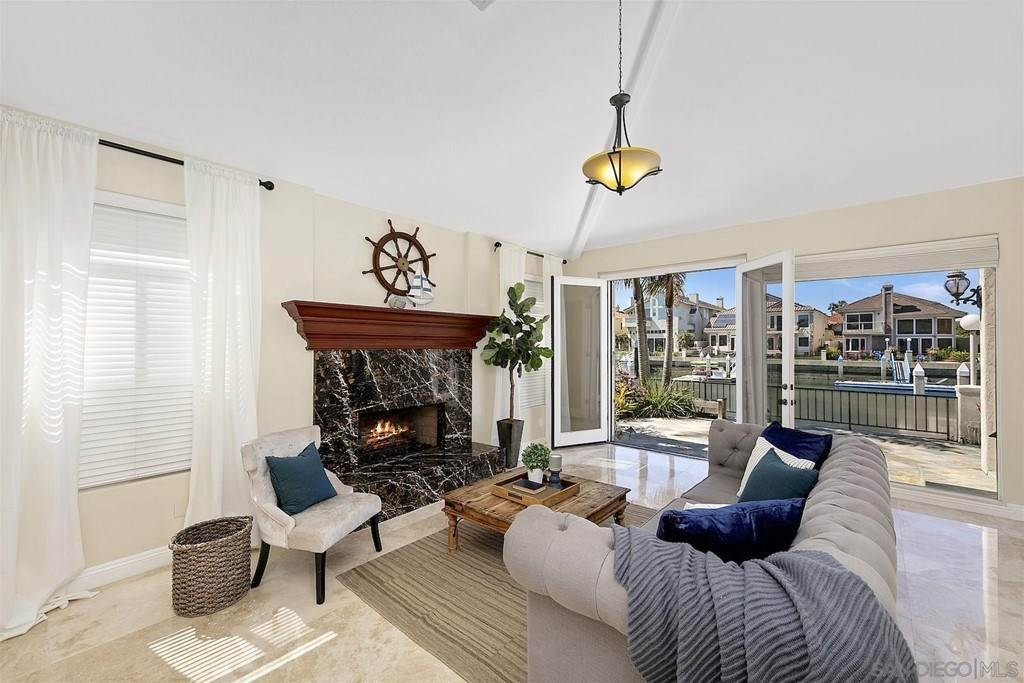 10. Residential for Sale at Spinnaker Way Coronado, California 92118 United States