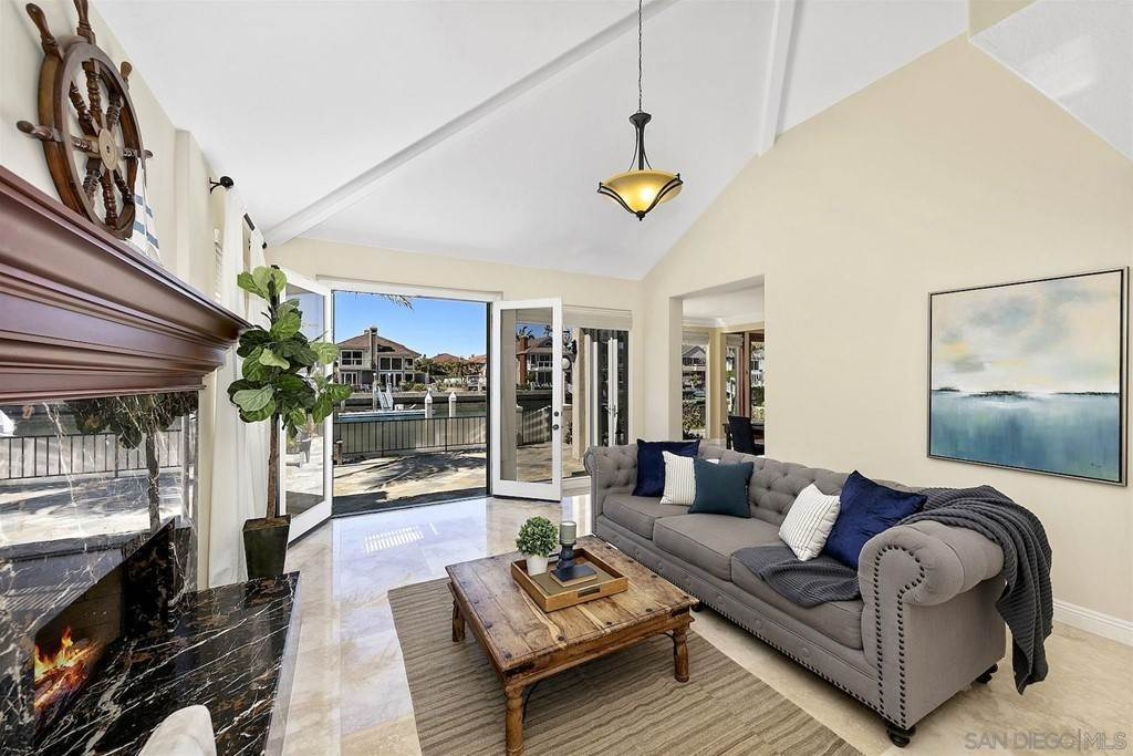 11. Residential for Sale at Spinnaker Way Coronado, California 92118 United States