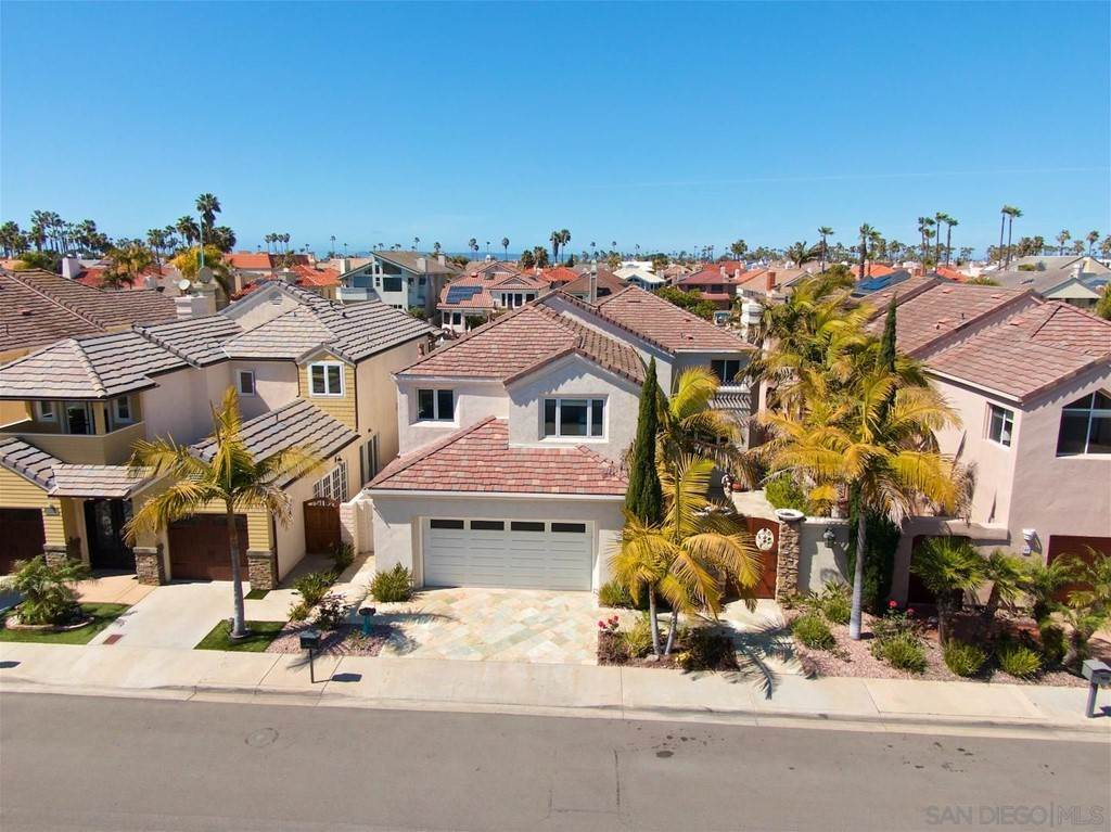 2. Residential for Sale at Spinnaker Way Coronado, California 92118 United States