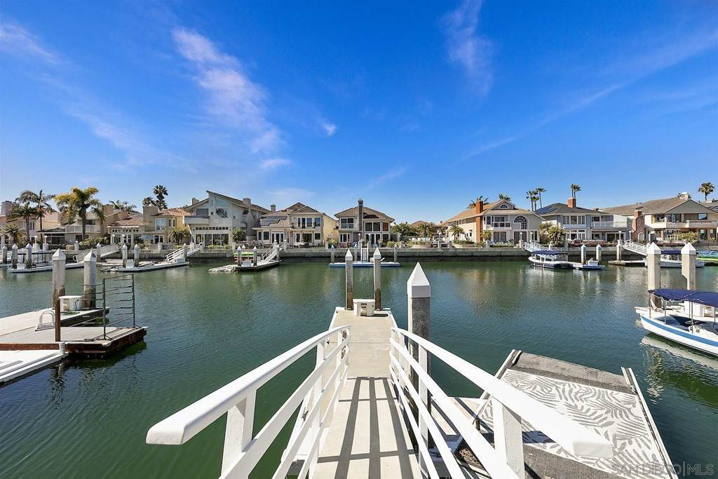 23. Residential for Sale at Spinnaker Way Coronado, California 92118 United States
