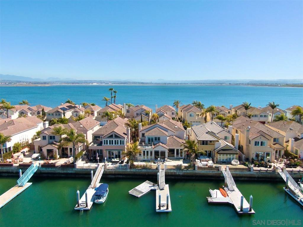 25. Residential for Sale at Spinnaker Way Coronado, California 92118 United States
