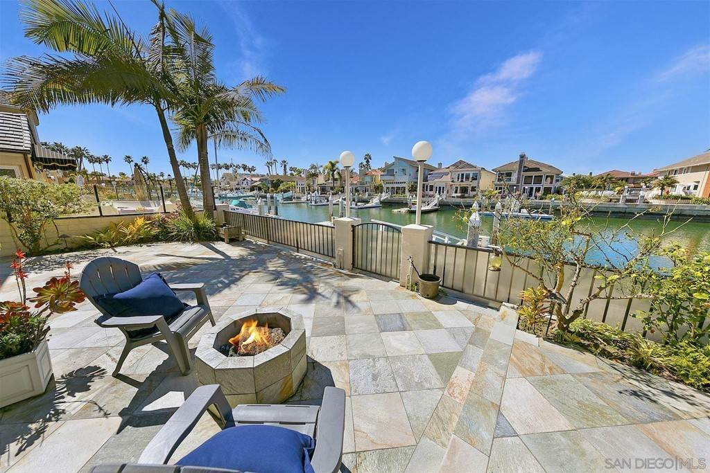27. Residential for Sale at Spinnaker Way Coronado, California 92118 United States