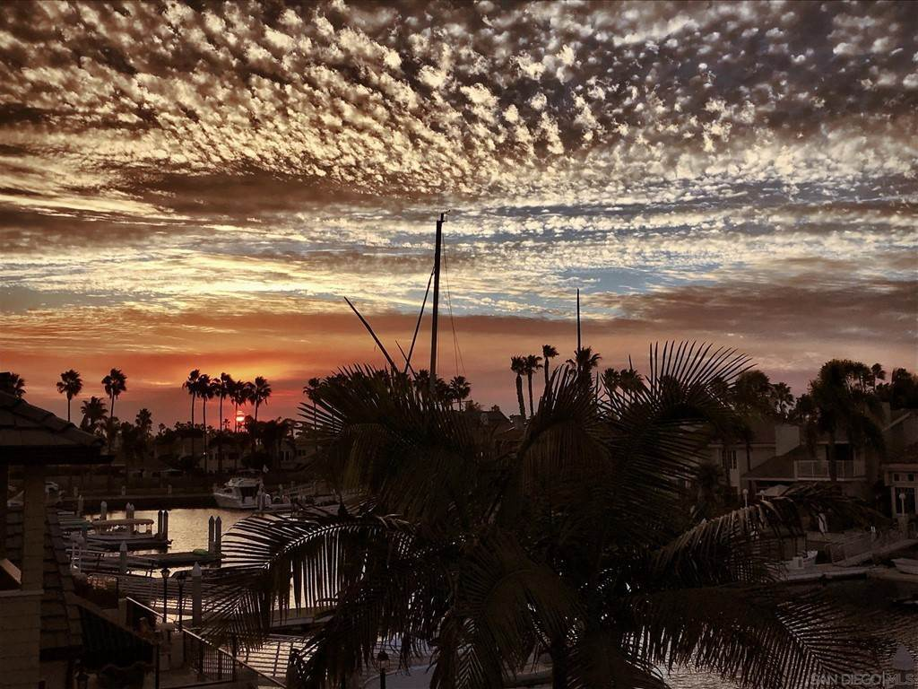 29. Residential for Sale at Spinnaker Way Coronado, California 92118 United States