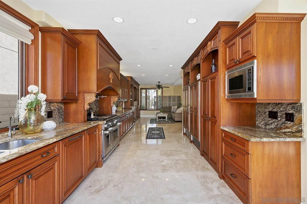 33. Residential for Sale at Spinnaker Way Coronado, California 92118 United States