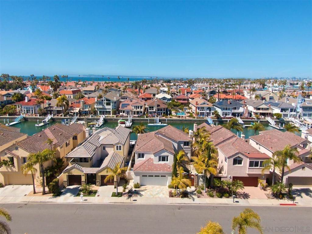 4. Residential for Sale at Spinnaker Way Coronado, California 92118 United States