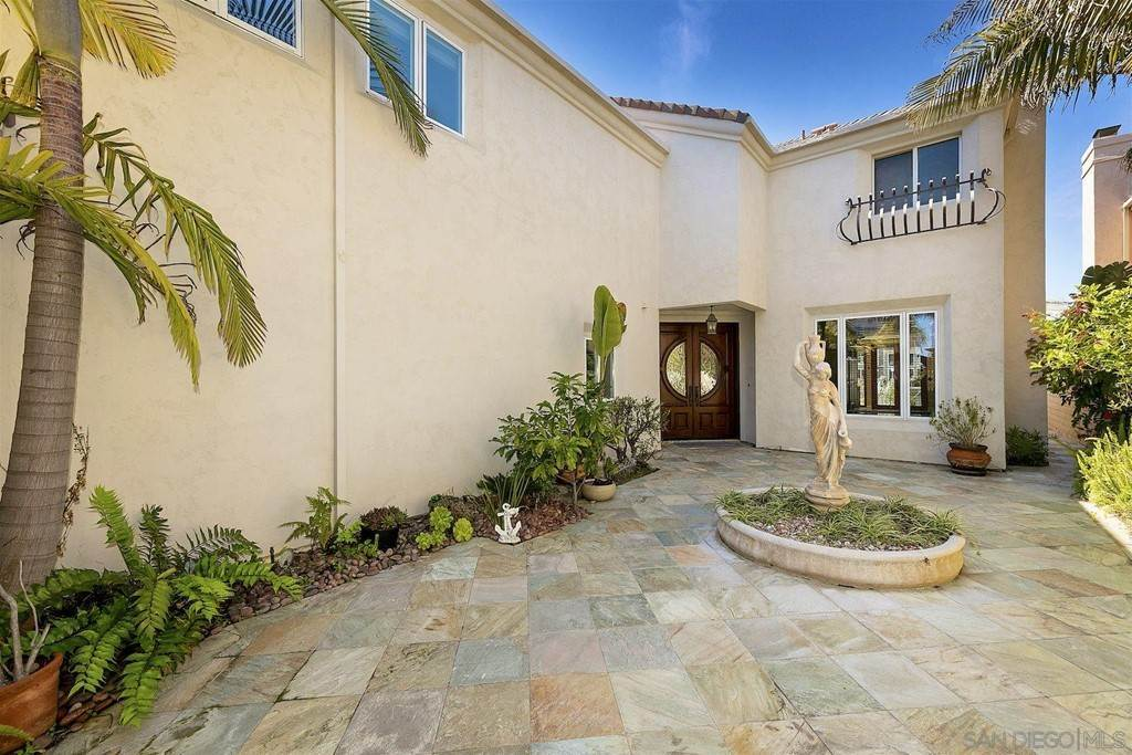7. Residential for Sale at Spinnaker Way Coronado, California 92118 United States