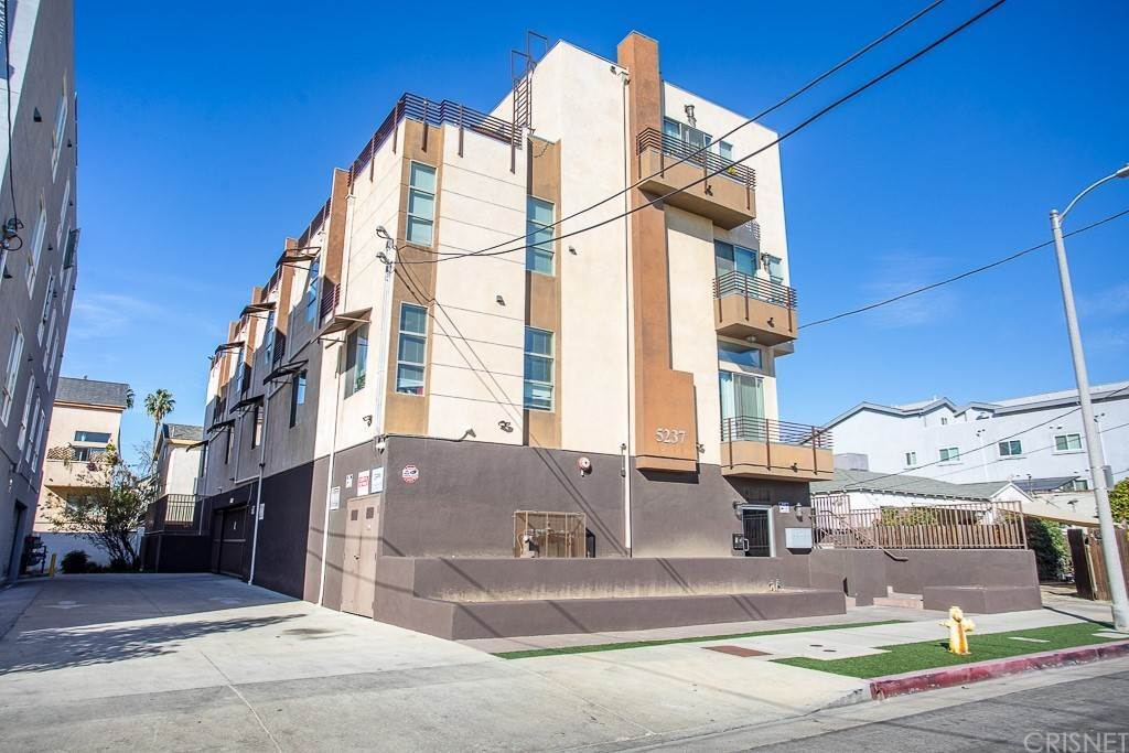 Residential Income for Sale at Willowcrest Avenue North Hollywood, California 91601 United States