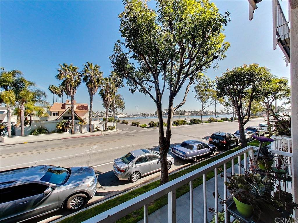 10. Residential for Sale at Bay Shore Avenue Long Beach, California 90803 United States
