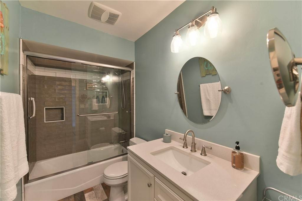 26. Residential for Sale at Bay Shore Avenue Long Beach, California 90803 United States