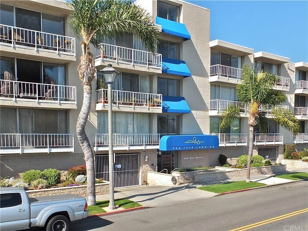 35. Residential for Sale at Bay Shore Avenue Long Beach, California 90803 United States