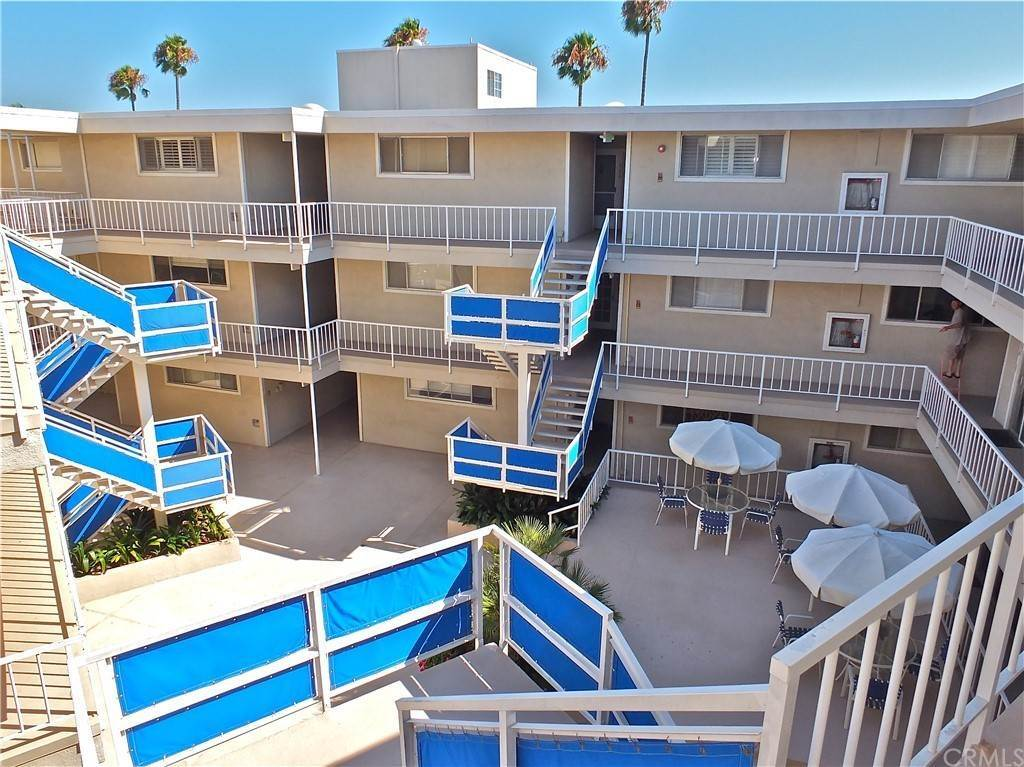 37. Residential for Sale at Bay Shore Avenue Long Beach, California 90803 United States