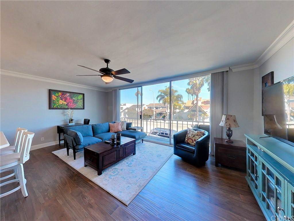 8. Residential for Sale at Bay Shore Avenue Long Beach, California 90803 United States