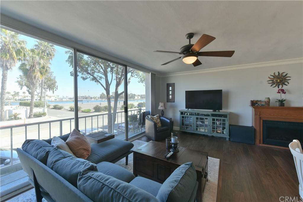 9. Residential for Sale at Bay Shore Avenue Long Beach, California 90803 United States