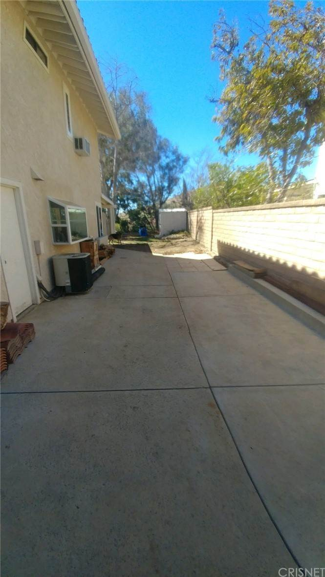 32. Residential for Sale at Chippewa Avenue Simi Valley, California 93063 United States