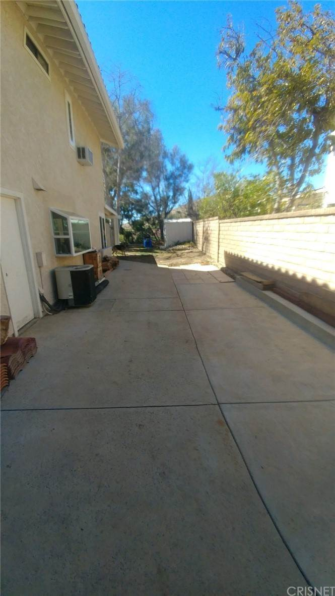 33. Residential for Sale at Chippewa Avenue Simi Valley, California 93063 United States