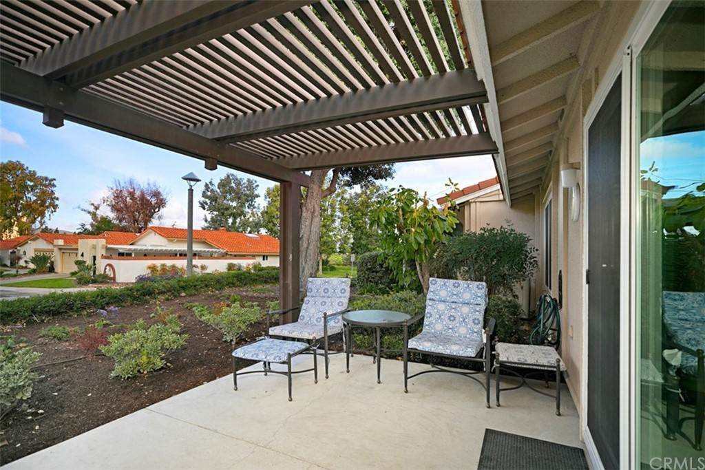 22. Residential for Sale at Alta Vista Laguna Woods, California 92637 United States