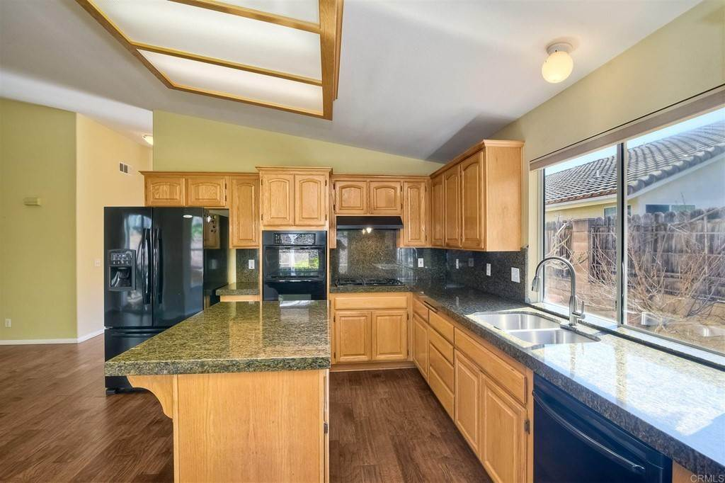11. Residential for Sale at Meadow Lake Drive Vista, California 92084 United States