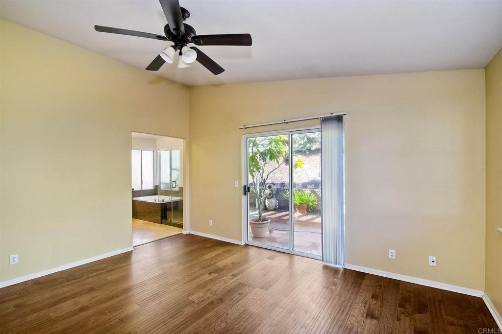 13. Residential for Sale at Meadow Lake Drive Vista, California 92084 United States