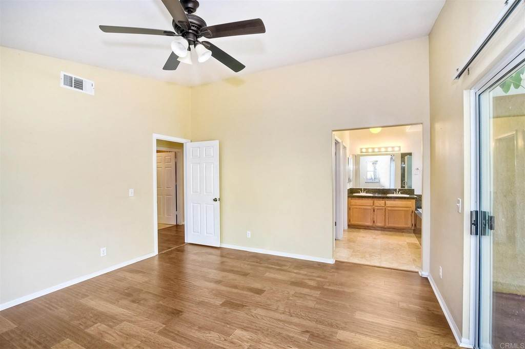 14. Residential for Sale at Meadow Lake Drive Vista, California 92084 United States