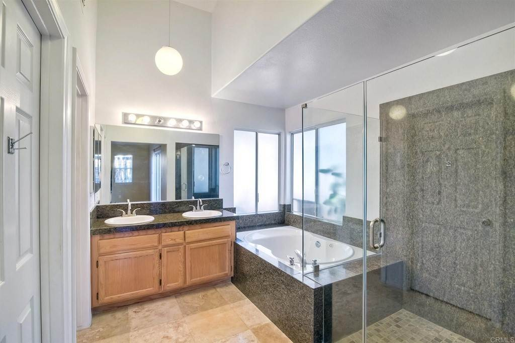 15. Residential for Sale at Meadow Lake Drive Vista, California 92084 United States
