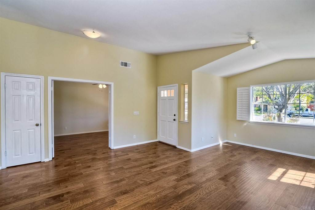 4. Residential for Sale at Meadow Lake Drive Vista, California 92084 United States