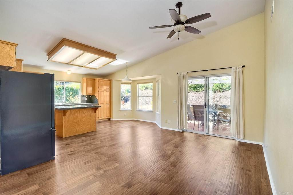 8. Residential for Sale at Meadow Lake Drive Vista, California 92084 United States