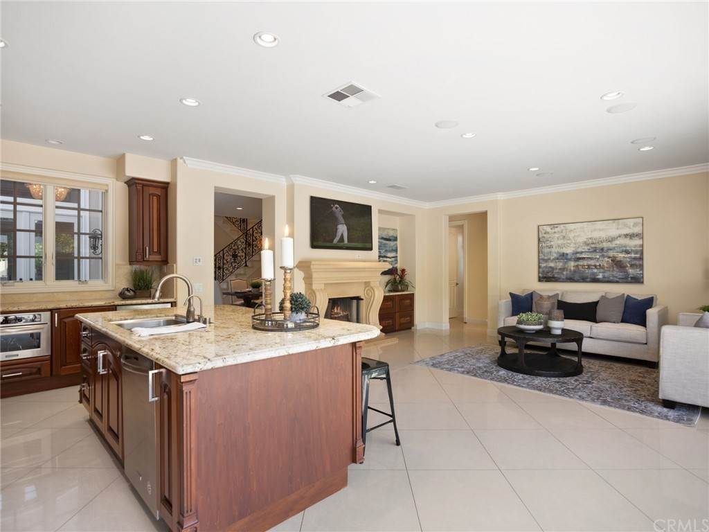 10. Residential for Sale at Singletree Drive Newport Beach, California 92660 United States