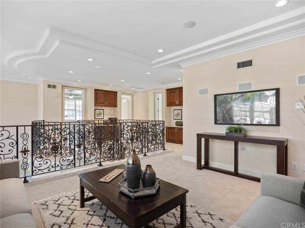 15. Residential for Sale at Singletree Drive Newport Beach, California 92660 United States