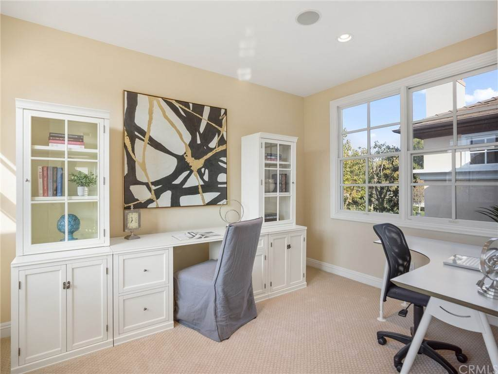 20. Residential for Sale at Singletree Drive Newport Beach, California 92660 United States