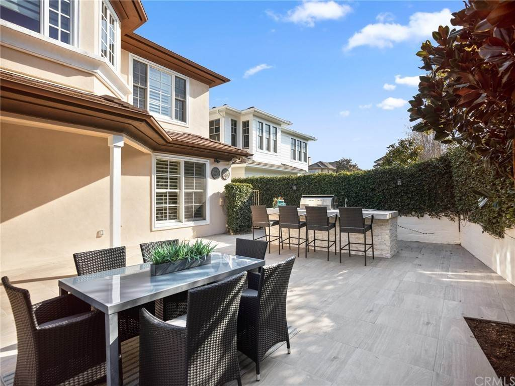 27. Residential for Sale at Singletree Drive Newport Beach, California 92660 United States