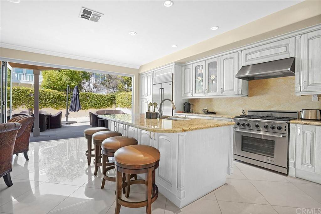 9. Residential for Sale at Singletree Drive Newport Beach, California 92660 United States