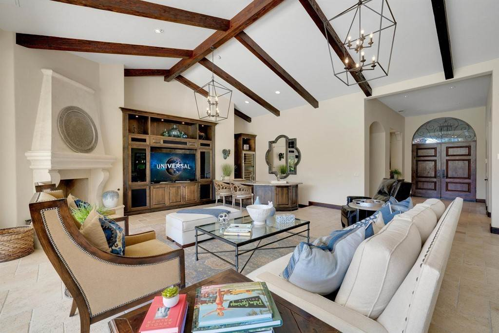19. Residential for Sale at Deacon Drive W La Quinta, California 92253 United States