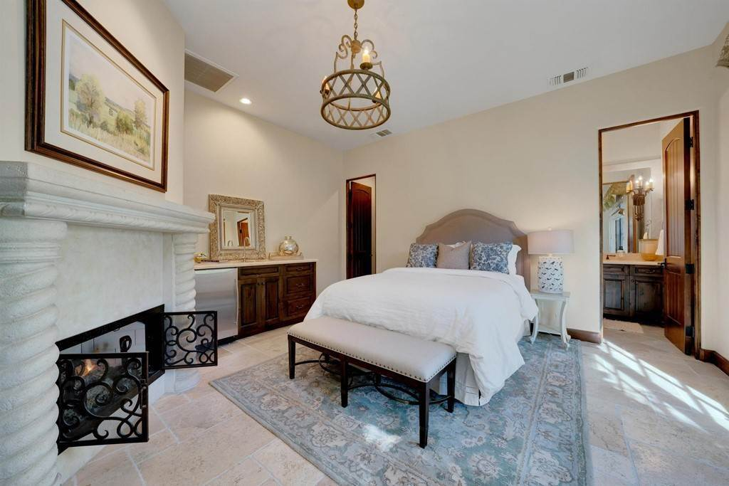 32. Residential for Sale at Deacon Drive W La Quinta, California 92253 United States