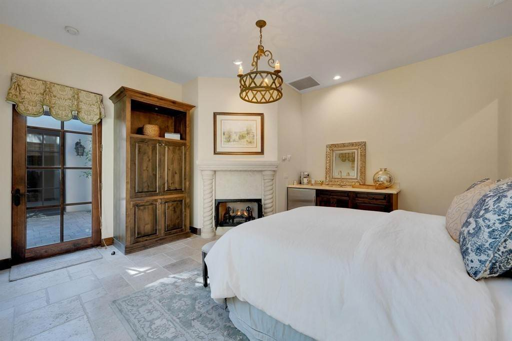 34. Residential for Sale at Deacon Drive W La Quinta, California 92253 United States