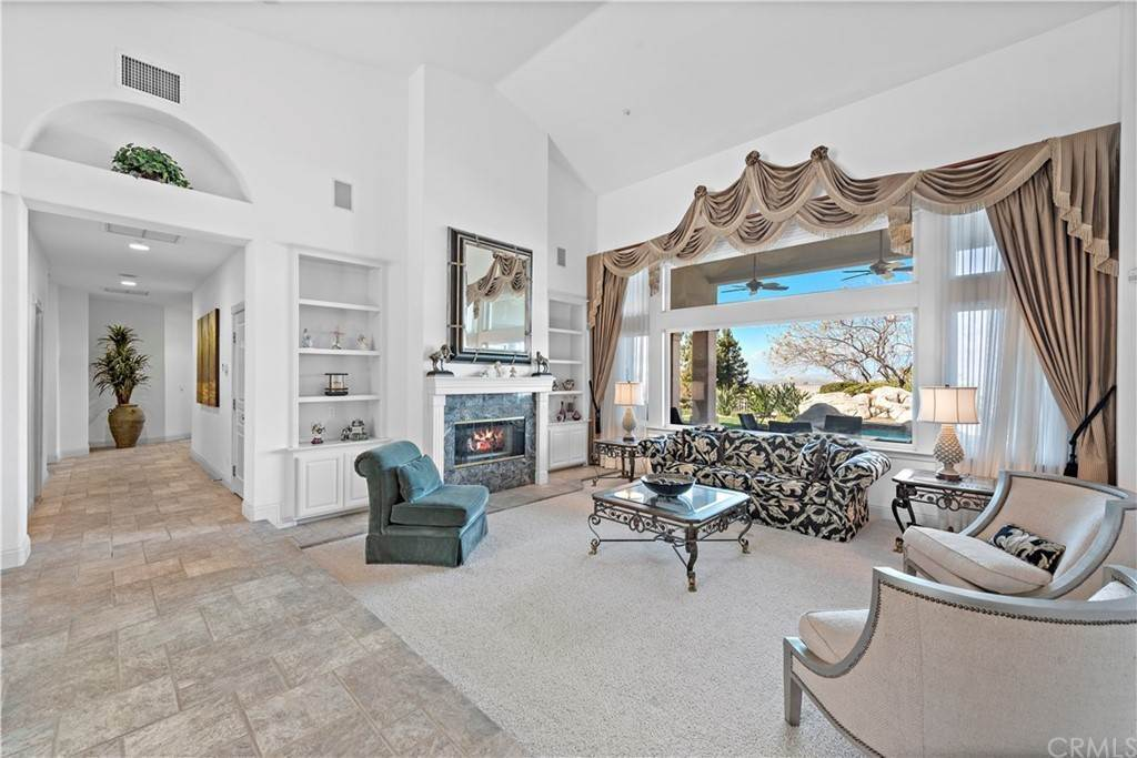 5. Residential for Sale at Wyndham Hill Drive Riverside, California 92506 United States