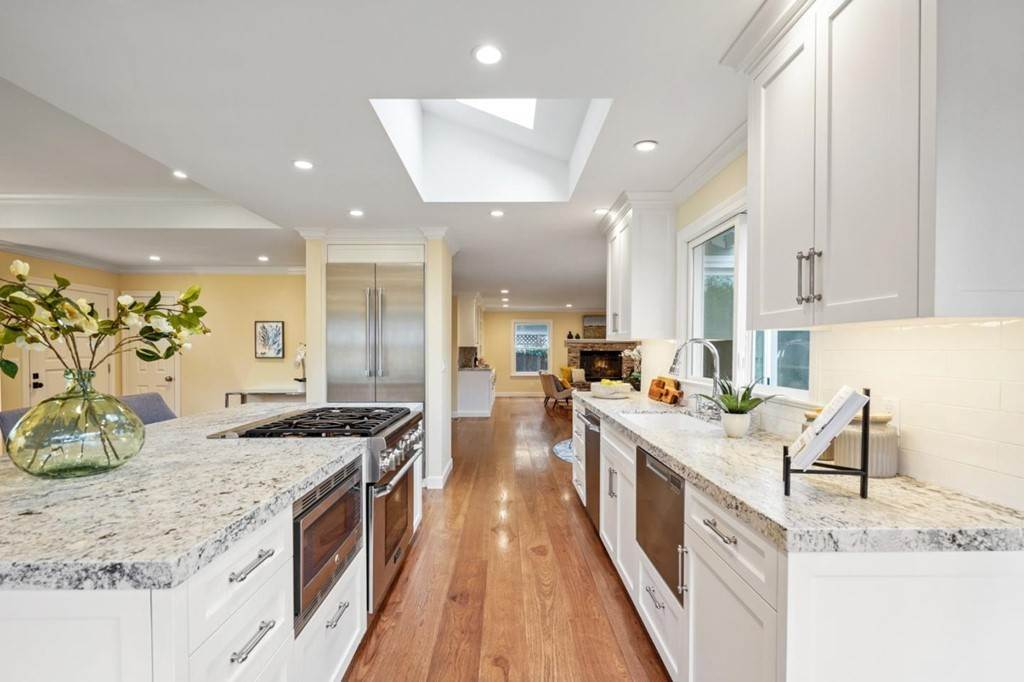 10. Residential for Sale at Sharon Court Palo Alto, California 94301 United States