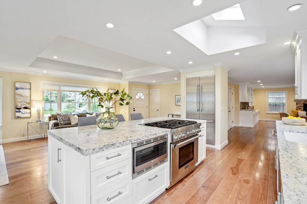11. Residential for Sale at Sharon Court Palo Alto, California 94301 United States