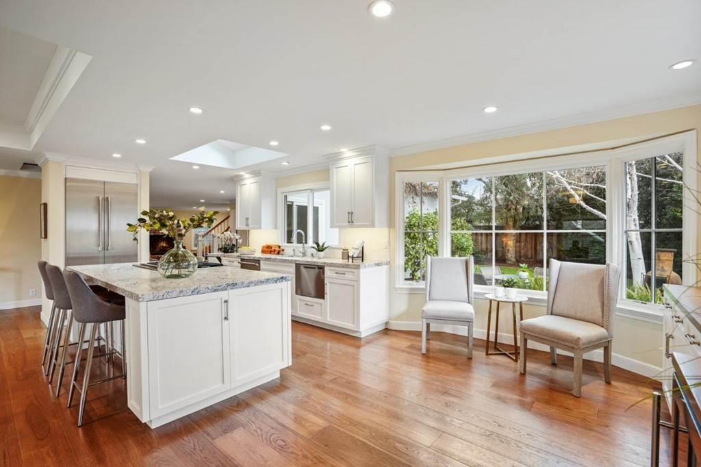 12. Residential for Sale at Sharon Court Palo Alto, California 94301 United States