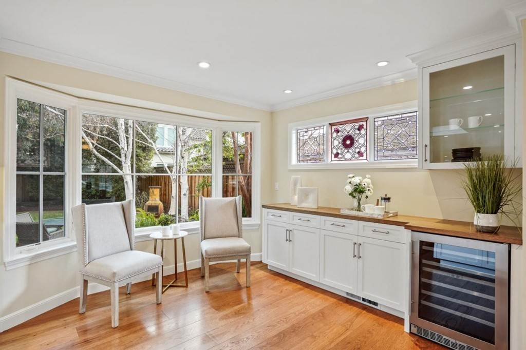 14. Residential for Sale at Sharon Court Palo Alto, California 94301 United States