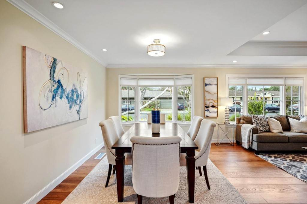 17. Residential for Sale at Sharon Court Palo Alto, California 94301 United States