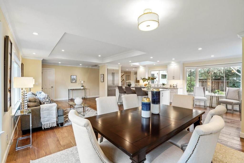 19. Residential for Sale at Sharon Court Palo Alto, California 94301 United States