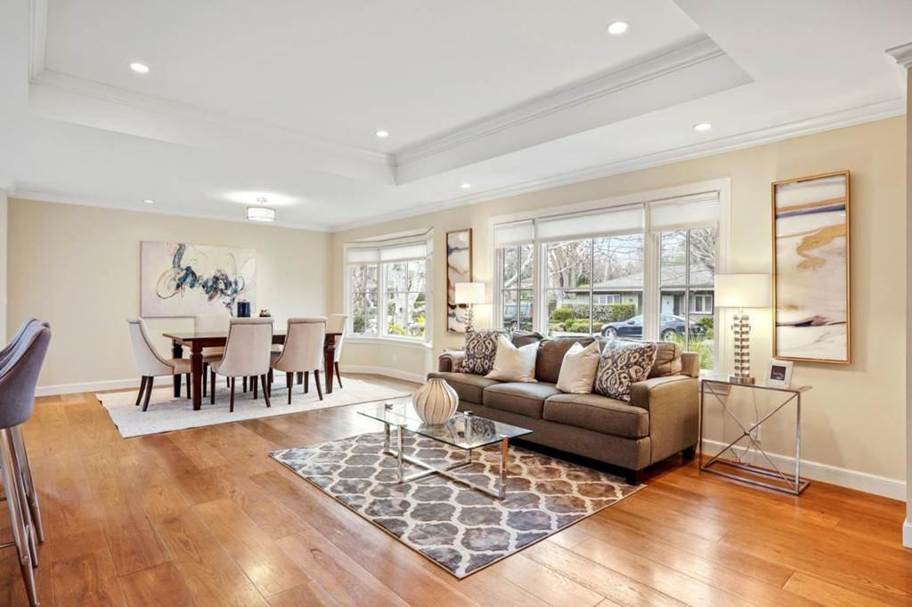 24. Residential for Sale at Sharon Court Palo Alto, California 94301 United States