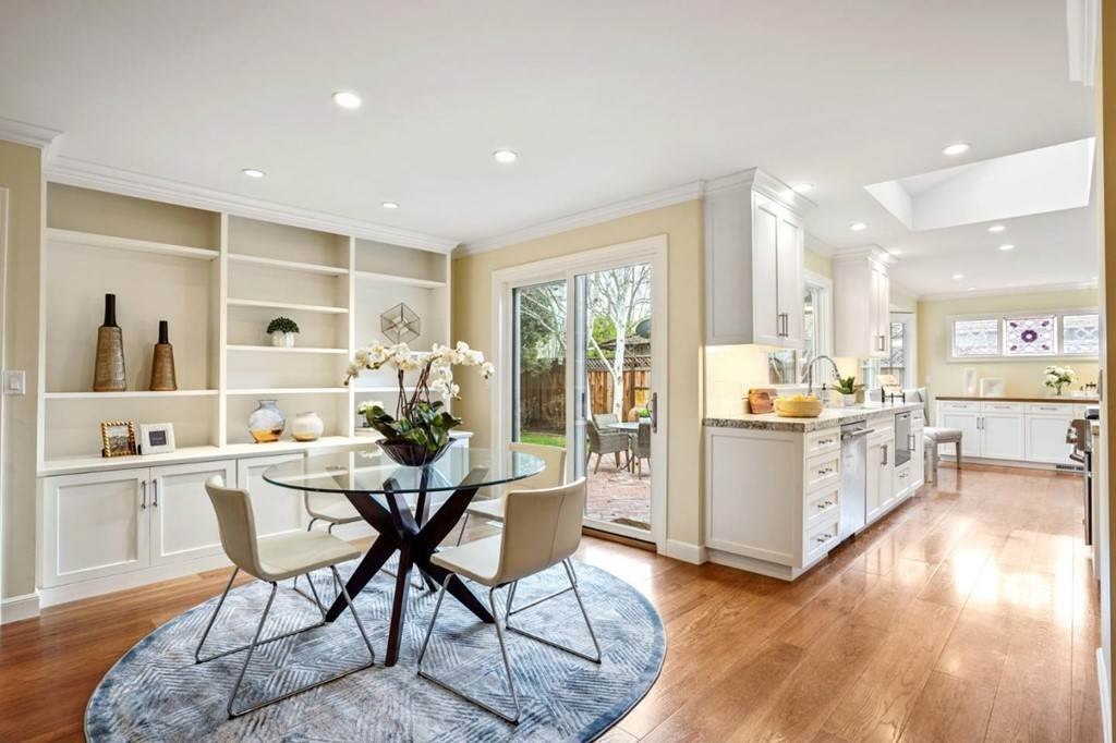 28. Residential for Sale at Sharon Court Palo Alto, California 94301 United States