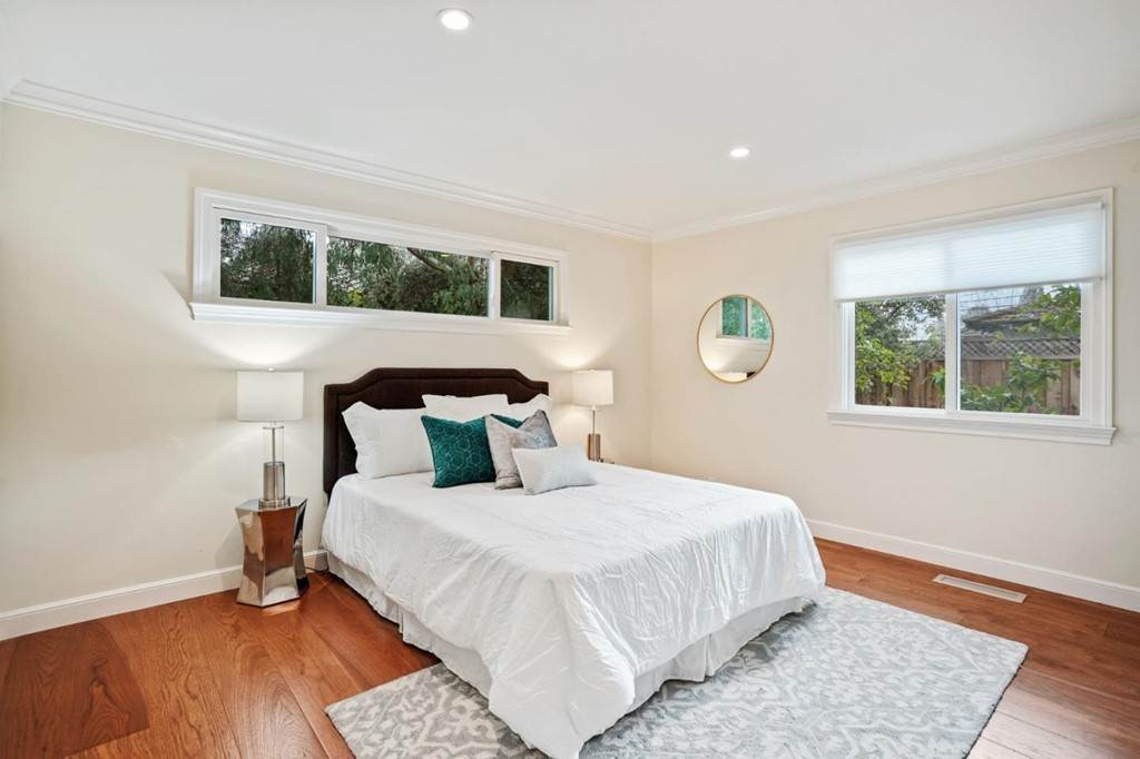 38. Residential for Sale at Sharon Court Palo Alto, California 94301 United States