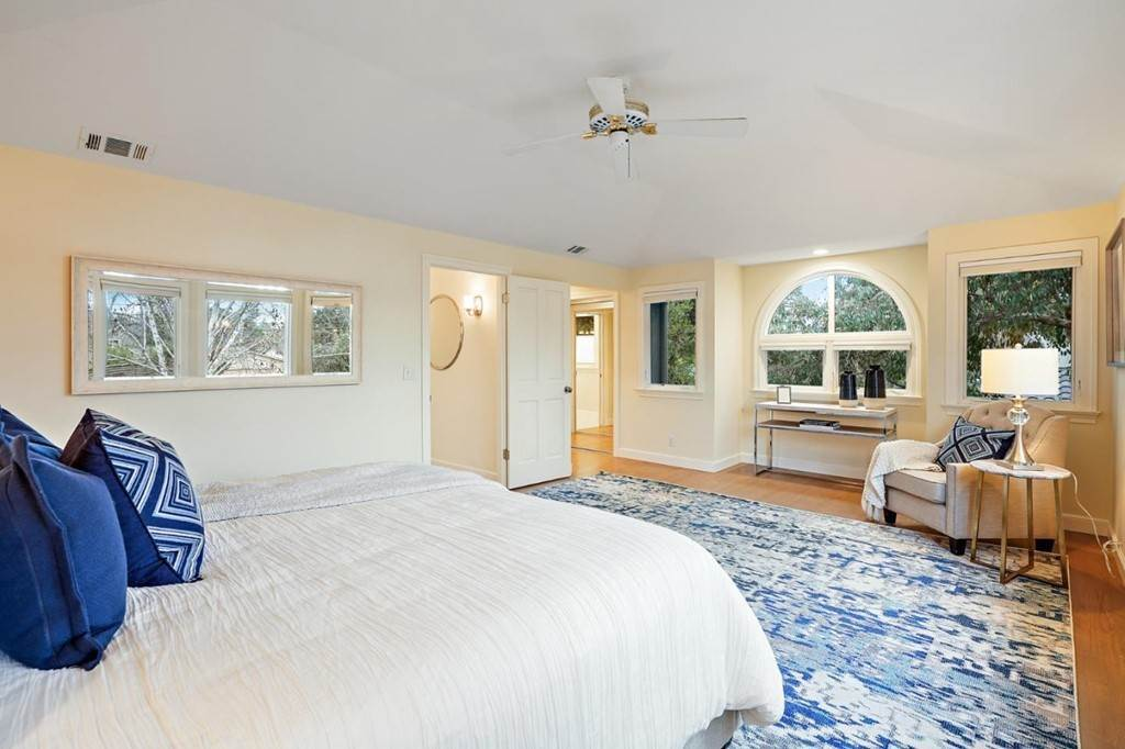 48. Residential for Sale at Sharon Court Palo Alto, California 94301 United States