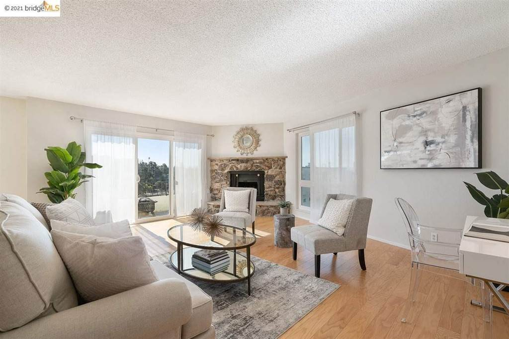25. Residential for Sale at Lagunitas Avenue Oakland, California 94610 United States