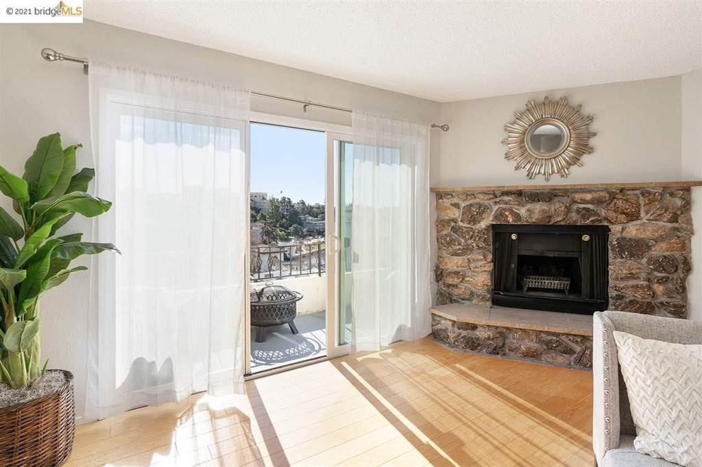 5. Residential for Sale at Lagunitas Avenue Oakland, California 94610 United States
