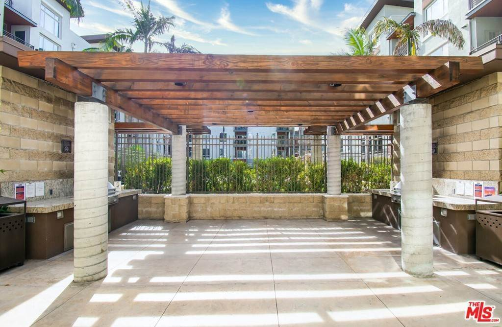 5. Residential for Sale at S Alameda Street Los Angeles, California 90012 United States