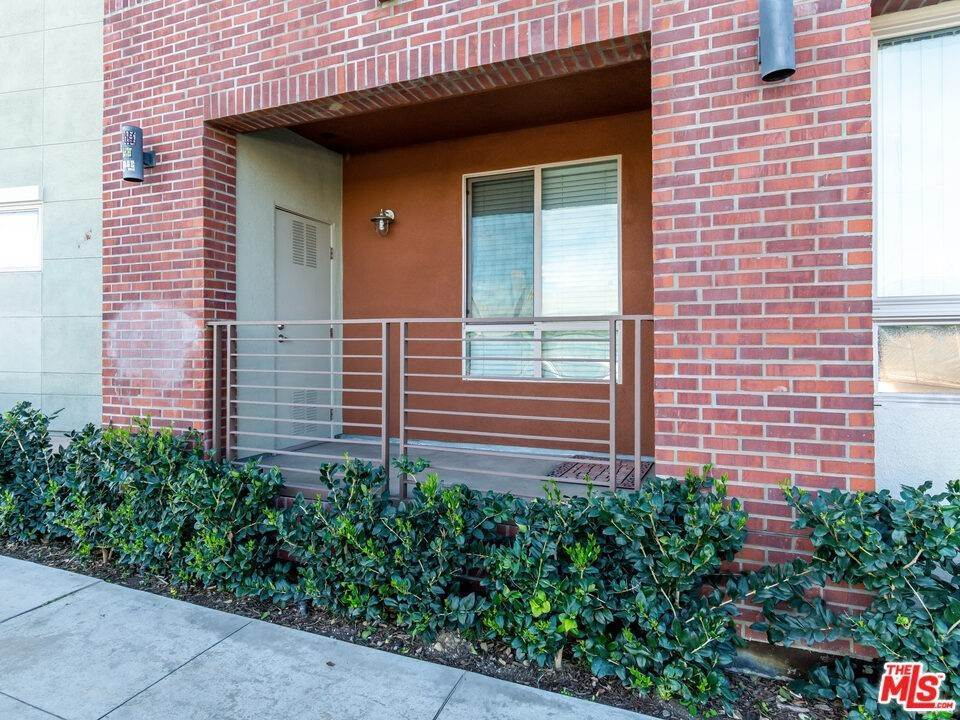 6. Residential for Sale at S Alameda Street Los Angeles, California 90012 United States