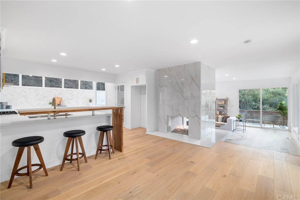 12. Residential for Sale at Wellington Avenue Pasadena, California 91103 United States